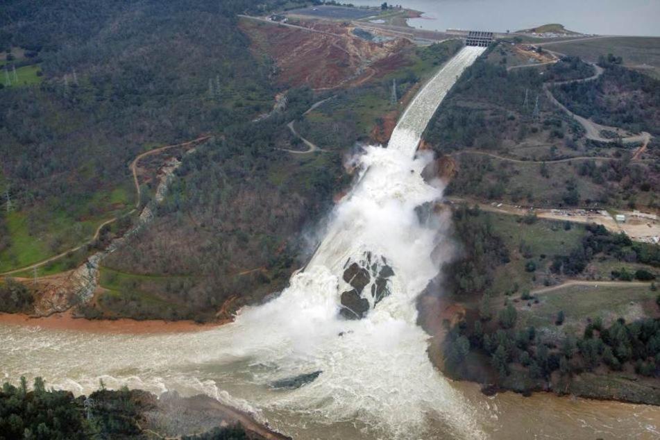 Die Situation vom Staudamm in Oroville spitzt sich scheinbar zu.