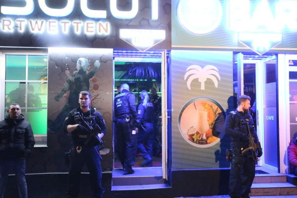 Lokale in der Schulstraße und Liebenwalder Straße wurden von Polizisten kontrolliert.