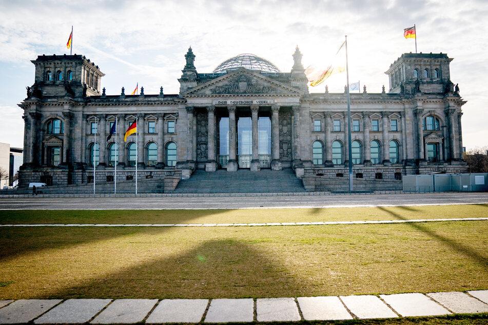 Aiwanger will in den Bundestag, sofern seine Freien Wähler über 5 Prozent kommen. Am liebsten wäre ihm eine Koalition mit CDU/CSU, FDP und SPD.