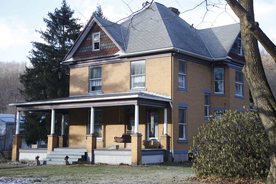 The creepy house in Pennsylvania served as Buffalo Bill's on-screen residence.