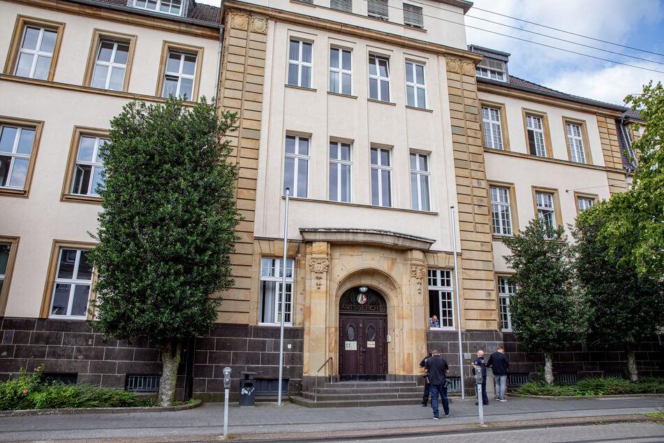 Vorm Amtsgericht Dinslaken sollte sich der Sänger im Juli 2021 verantworten, doch er erschien nicht.