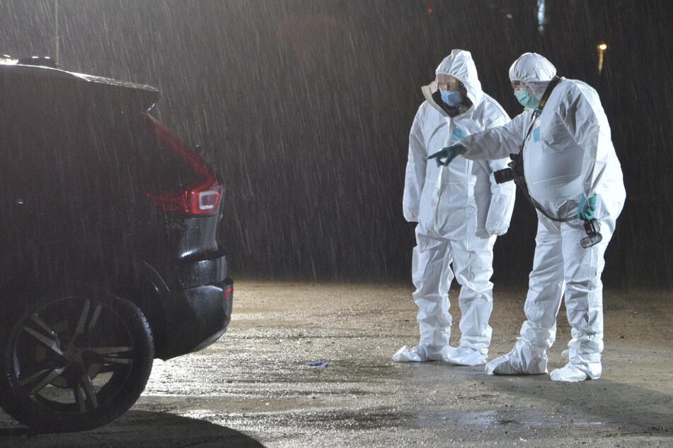 Frau sitzt tot im Auto: 19-Jähriger festgenommen, Polizei vermutet Beziehungstat