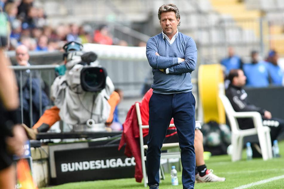 Zufrieden sieht anders aus: Das 0:4-Debakel gegen den MSV Duisburg zeigte Schwächen auf.