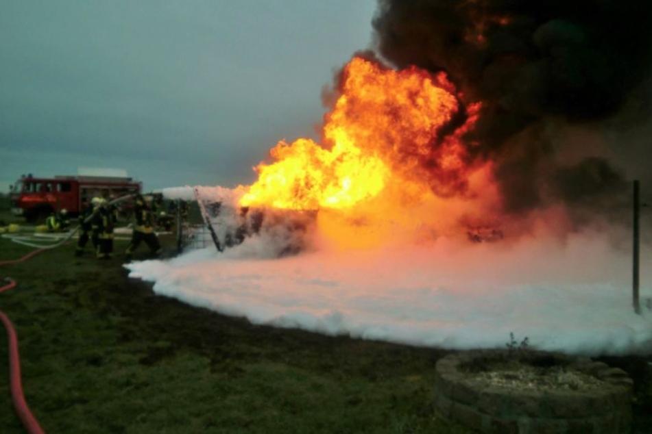 Feuerwehr hat Probleme beim Löschen! Was brennt hier?