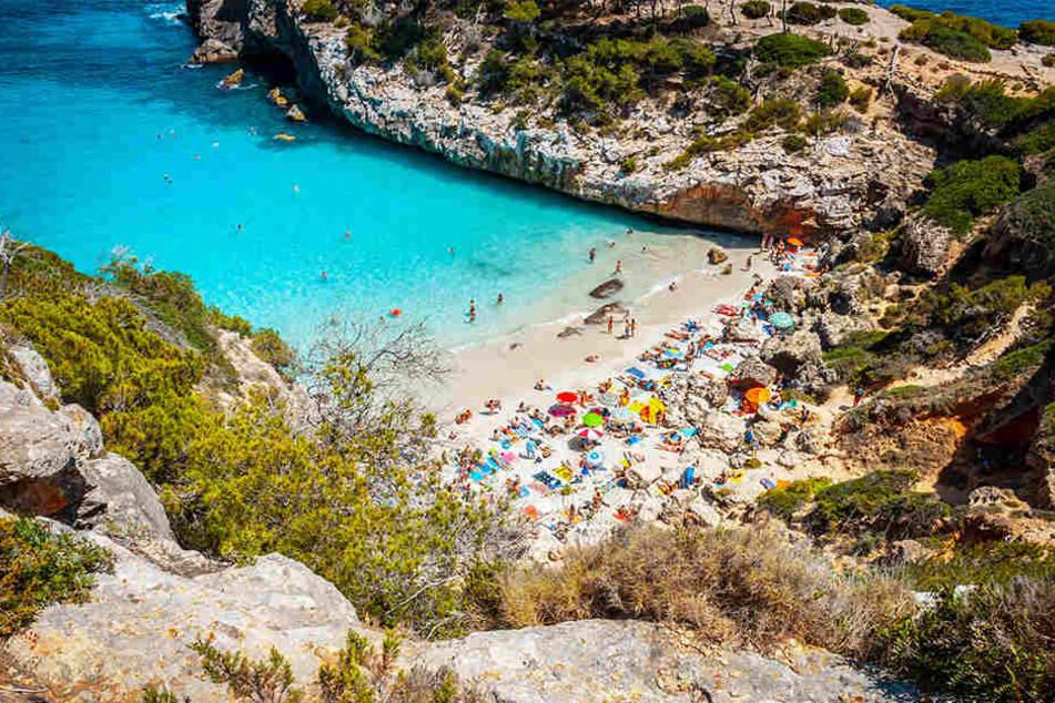 Von Welle erfasst: Deutscher Urlauber ertrinkt auf Mallorca
