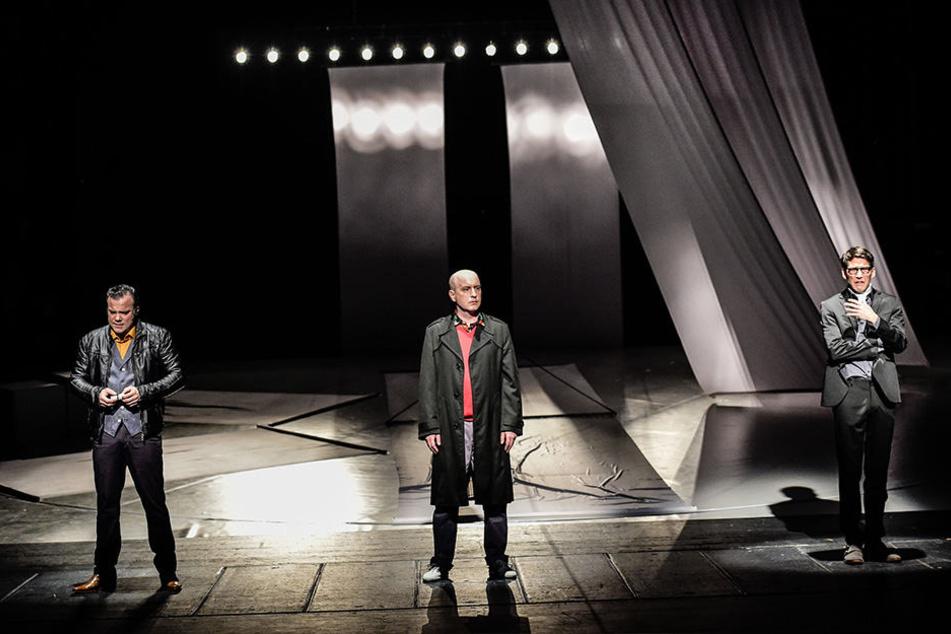 """Philipp von Schön-Angerer (v.l.), Christian Ruth und Marko Bullack sind in dem Dreimannstück """"Kunst"""" zu erleben."""