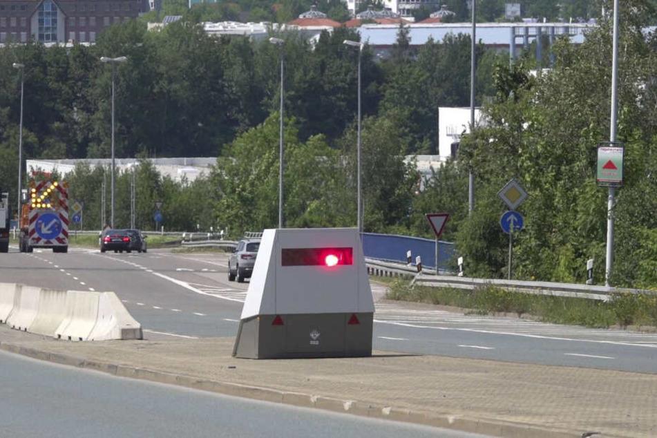 """Goldgrube Superblitzer: Die Stadtverwaltung testet den """"Eispanzer"""" weitere drei Monate."""