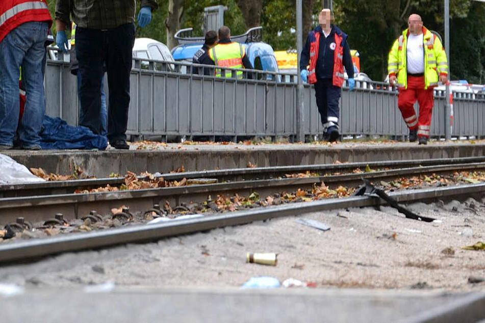 Die Straßenbahnhaltestelle wurde schwer beschädigt (Symbolbild).
