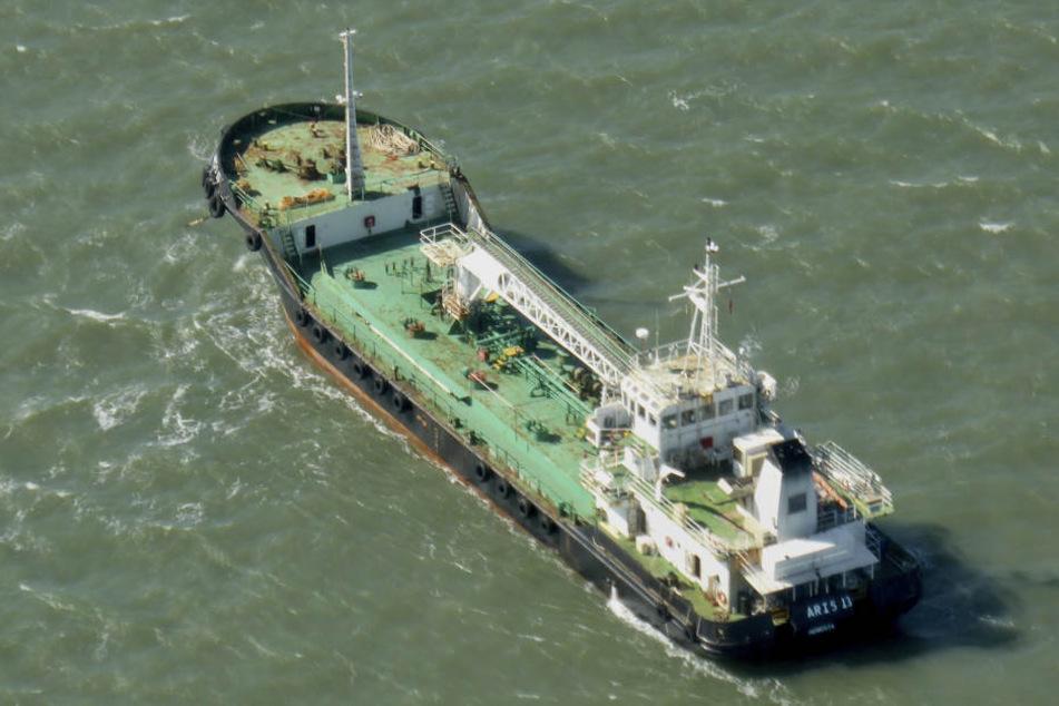 Es ist möglich, dass Piraten das Schiff entführt haben. (Symbolbild)