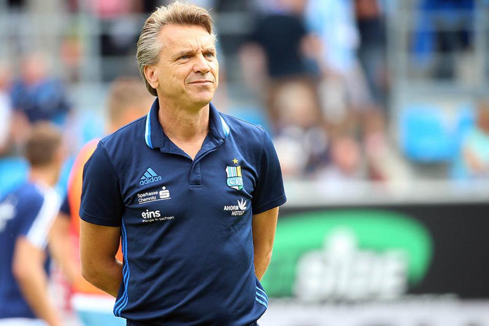 Chemnitz-Trainer Horst Steffen kündigt personelle Veränderungen an.