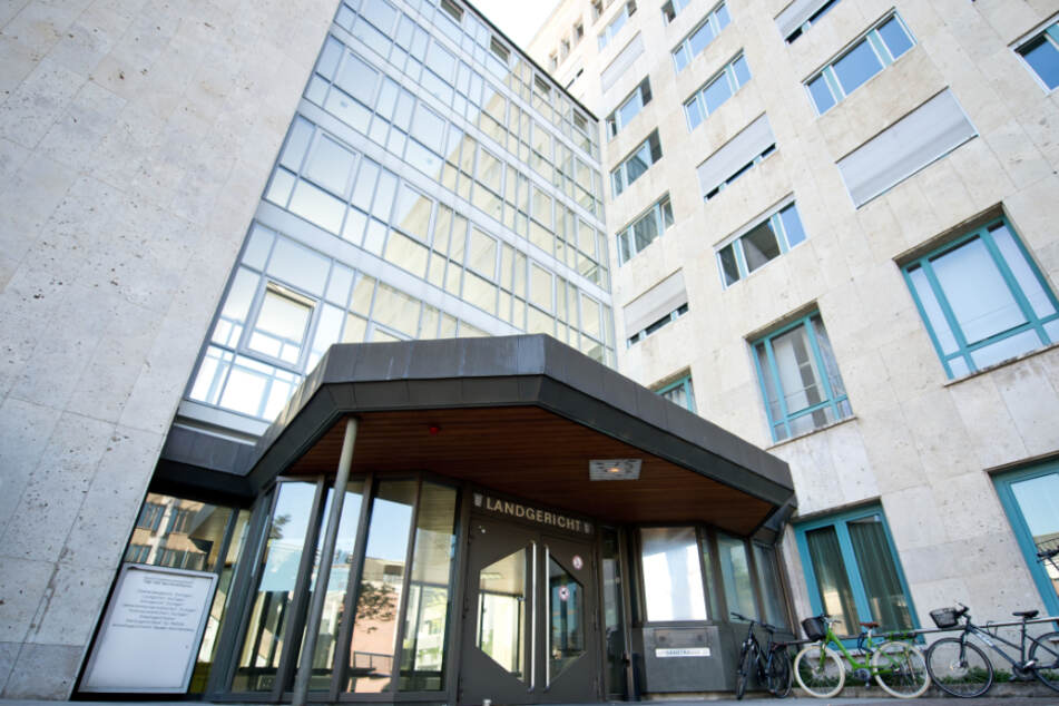 Das Stuttgarter Landgericht verurteilte den 71-Jährigen zu lebenslanger Haft.