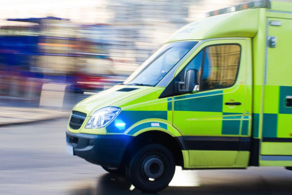 Mann überlebt Unfall mit Krankenwagen und stirbt dann trotzdem