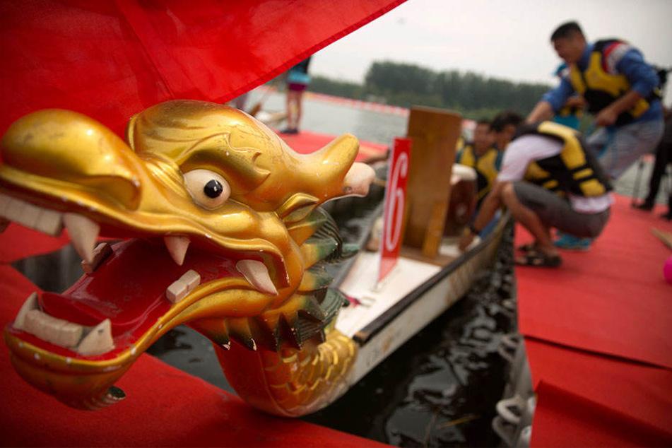 Zwei Drachenboote sind auf dem Fluss Taohuajiang gekentert. (Symbolbild)