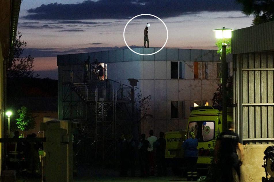 Der 21-Jährige drohte, sich vom Dach zu stürzen.