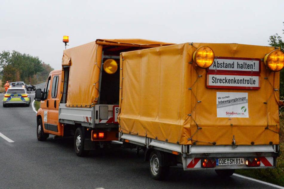 Diesen Streckenwagen des Straßenbaulastträgers wollte der 35-jährige Astra-Fahrer überholen.