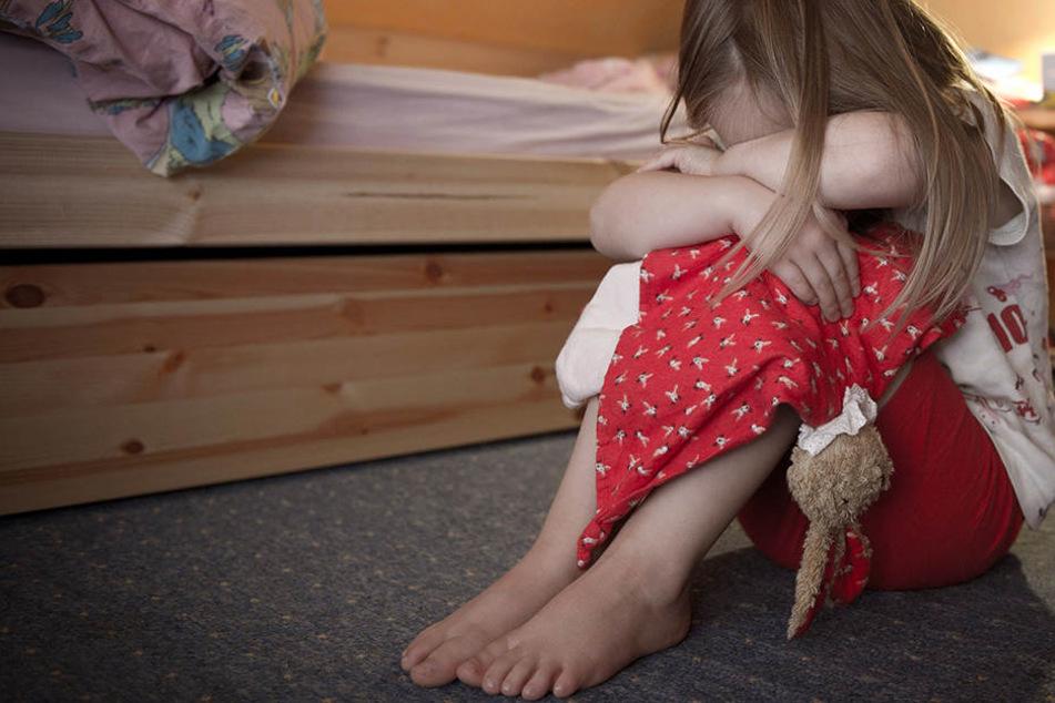 Sogar ein Pastor war dabei: 24 Festnahmen wegen Kinder-Pornografie