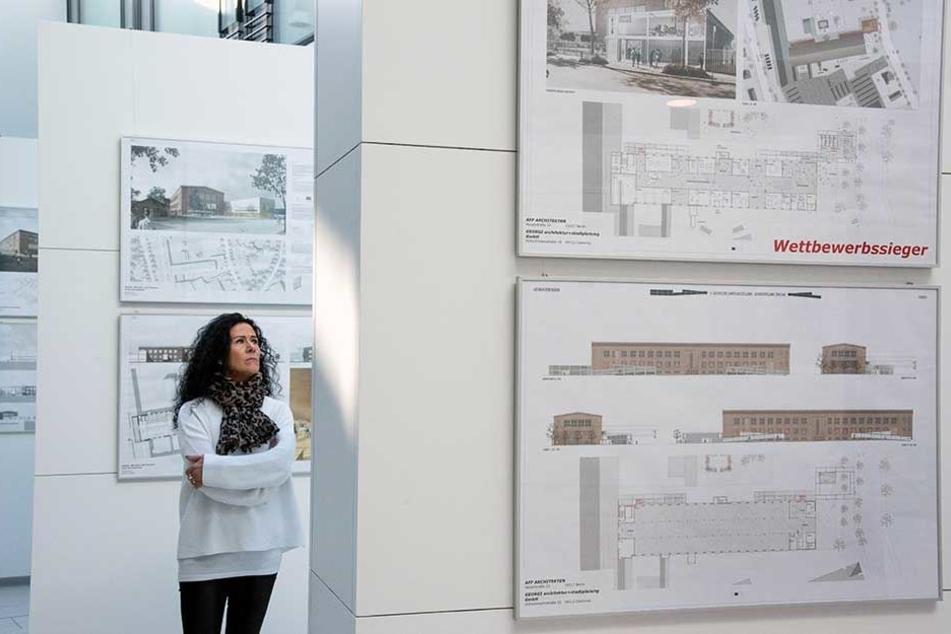Im Rathaus-Foyer sind derzeit die verschiedenen Entwürfe zur Umgestaltung des Audi-Baus zu sehen.