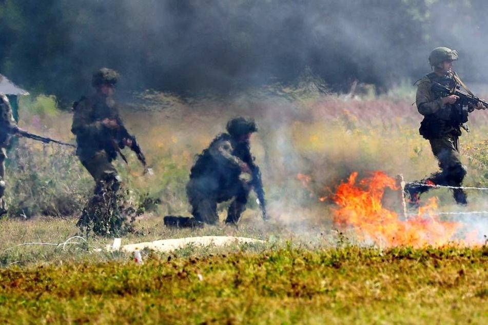 Bei einer Militär-Übung in Russland ist ein Soldat ums Leben gekommen. (Symbolbild)