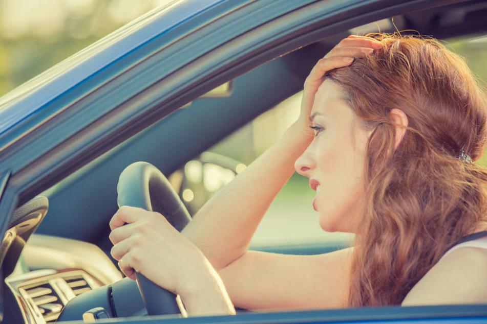 Einfach mal Ruhe haben, wenn man ins Auto steigt. Man könnte sein Handy auch einfach nicht anschließen, doch die Leute zahlen lieber 99 Cent...