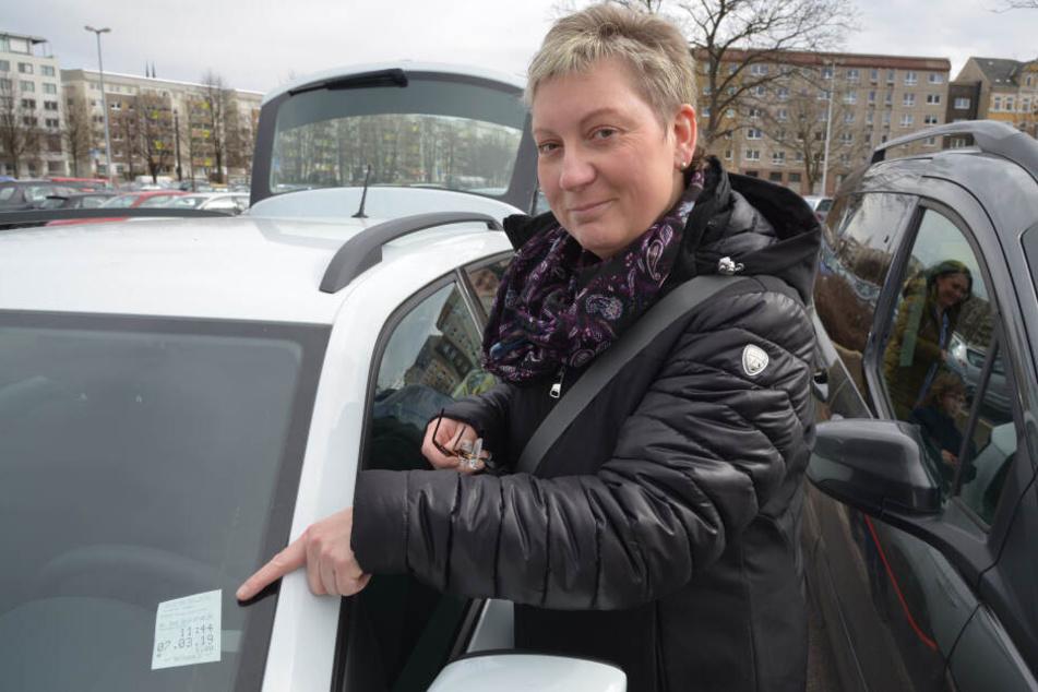 """Uta Beyrich (48) hat bezahlt und schimpft: """"Das Kleingedruckte versteht keiner."""""""