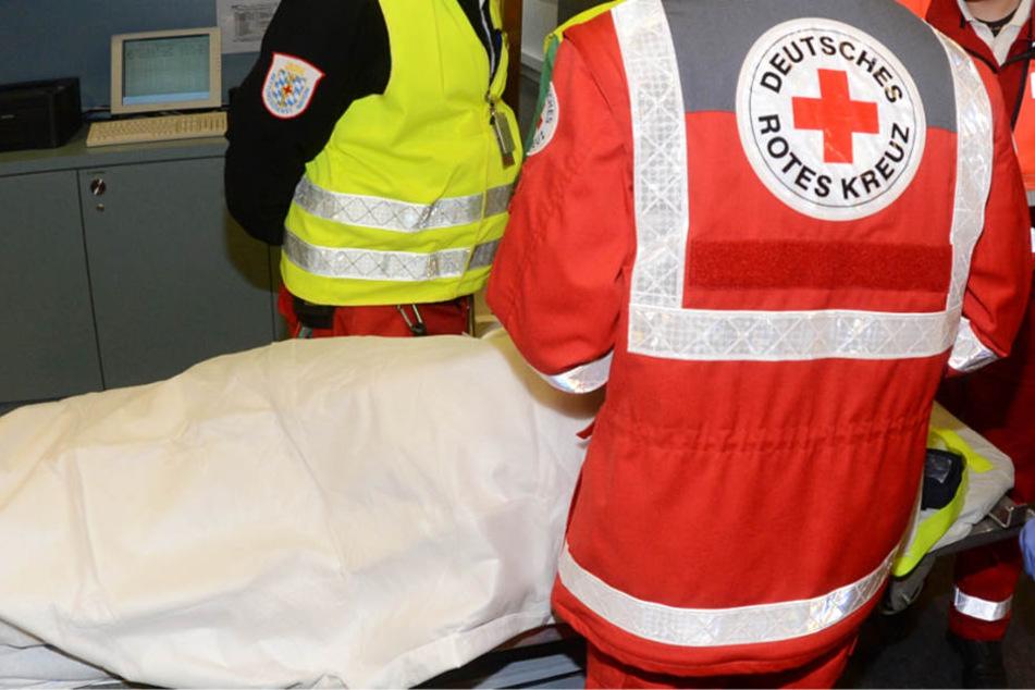 Die Frau kam mit schweren Brandverletzungen in eine Klinik (Symbolbild). Einige Tage später war sie tot.