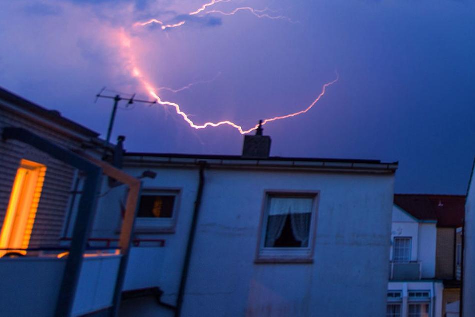 Bei dem starken Unwetter bei Bochum wurden zwei Frauen schwer verletzt.