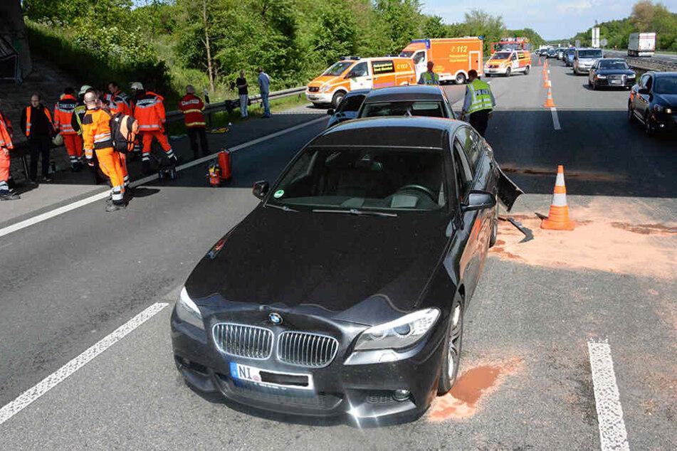 Dieser BMW fuhr auf einen langsam fahrenden Ford Fiesta auf. Der Auslöser einer Massenkarambolage mit sieben Verletzten.