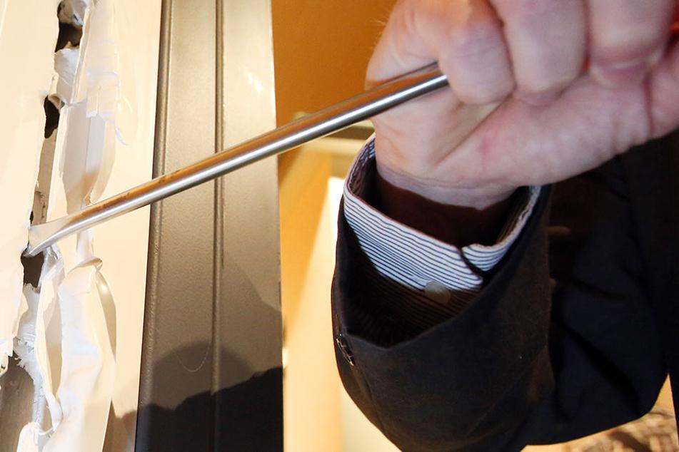 Der Mann führte typisches Einbruchswerkzeug mit sich (Symbolbild).