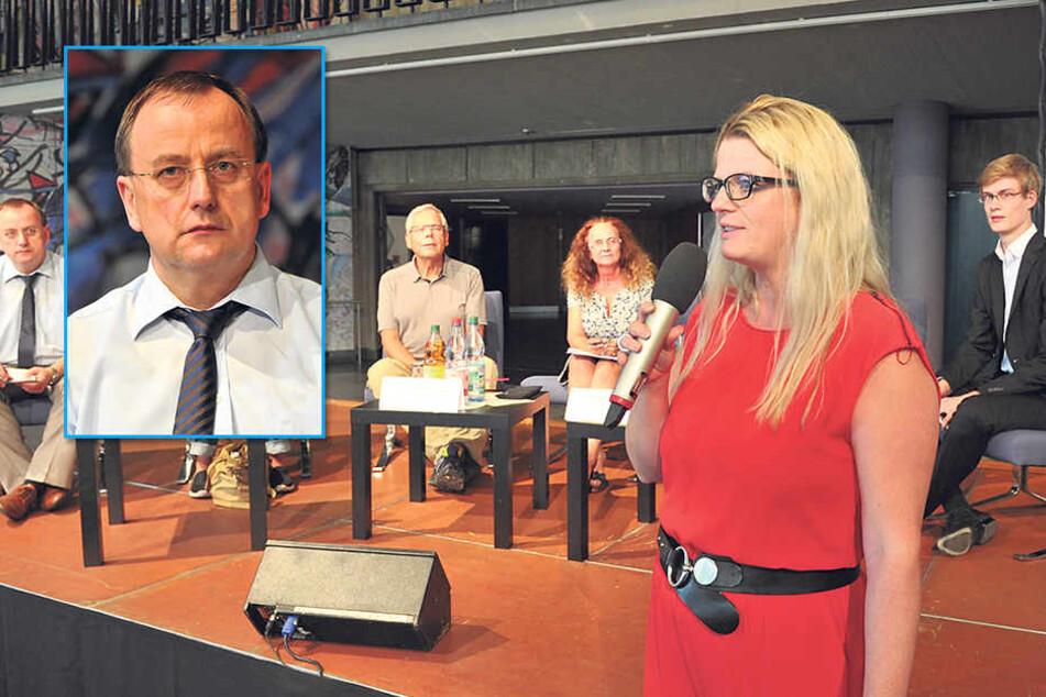 Jörg Heynoldt(53), Leiter der Bildungsagentur.Linken-Fraktions-Chefin Susanne Schaper (38) diskutierte gemeinsam mit Schülern, Lehrern und Eltern über den Lehrermangel.