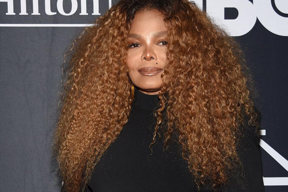 Sängerin Janet Jackson (55) versteigerte ihr Kleidung u.a. für den guten Zweck.