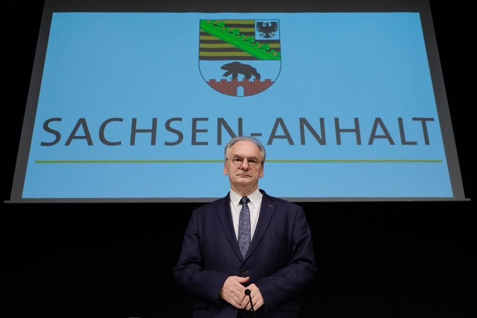 Sachsen-Anhalts Ministerpräsident Reiner Haseloff (67) wurde mit fast 95 Prozent Zustimmung erneut zum CDU-Spitzenkandidaten gekürt. Es gab keinen Gegenkandidaten.