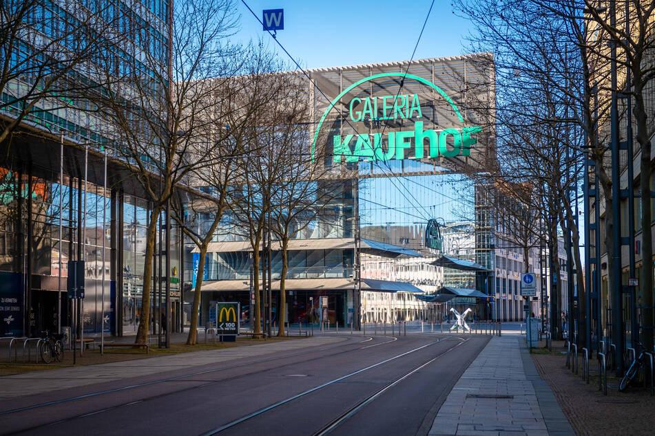 In Zeiten des Corona-Lockdowns ist die Chemnitzer Innenstadt oft menschenleer. Neben dem wachsenden Online-Handel ist die Corona-Pandemie für die Geschäfte eine große Herausforderung.