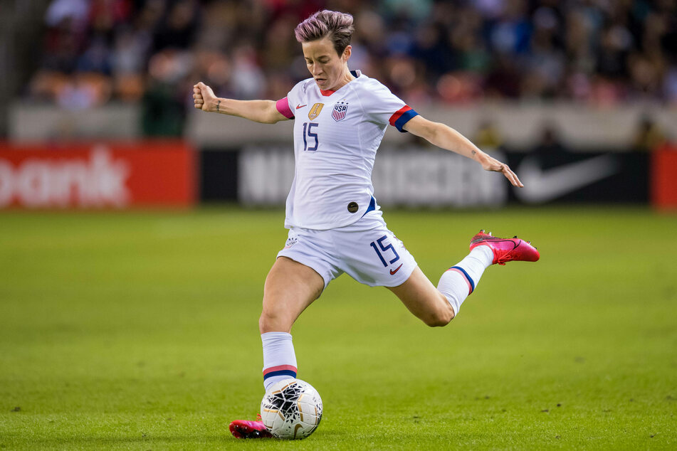 Megan Rapinoe (35) forwards the ball during a 2020 Olympic qualifying match.