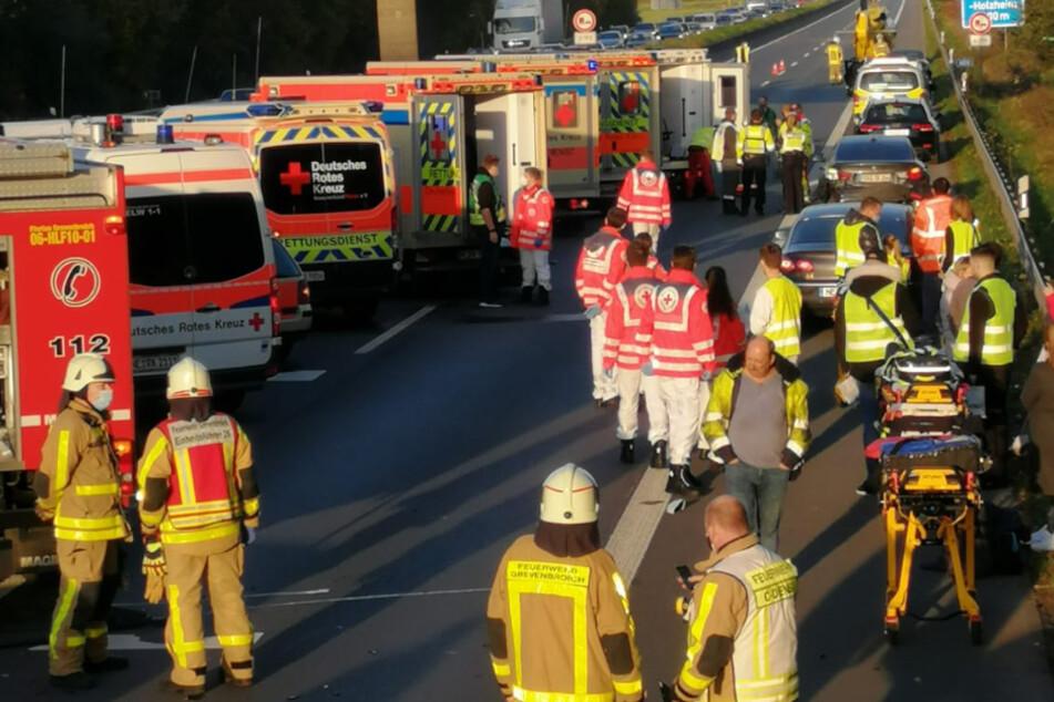 Massenkarambolage: Mehr als ein Dutzend Verletzte nach Unfall
