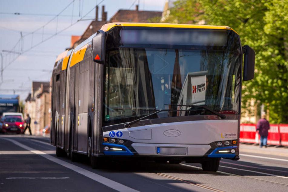 Der Fahrer des Busses leitete eine Gefahrenbremsung ein.