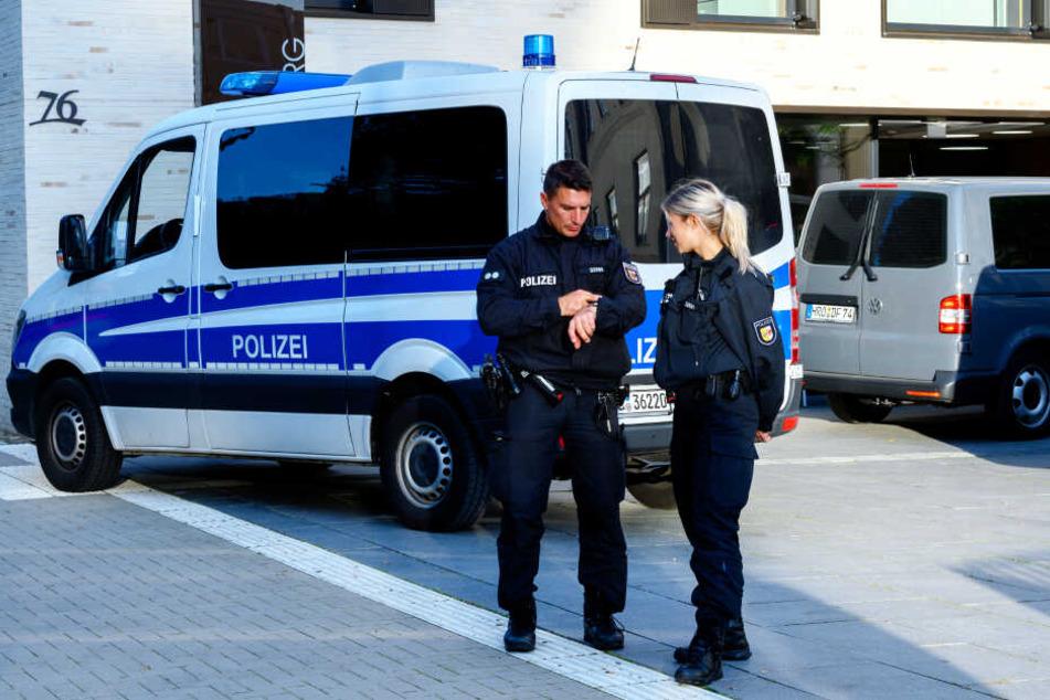 """Polizisten hatten nicht viel zu tun bei dem """"Überfall"""" (Symbolbild)."""