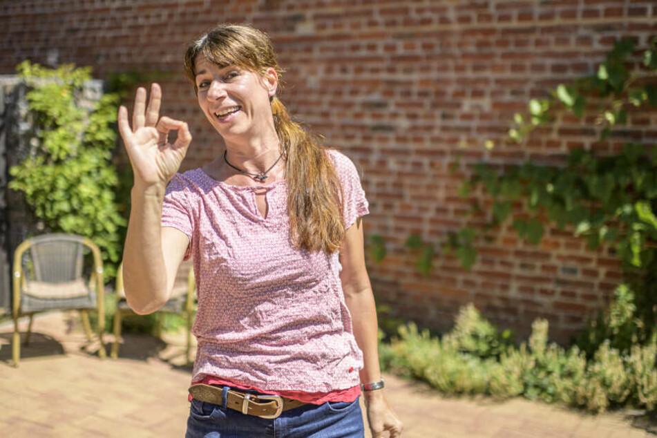 Ariane Lenk (48) macht die Menschen mit Lachyoga glücklich.