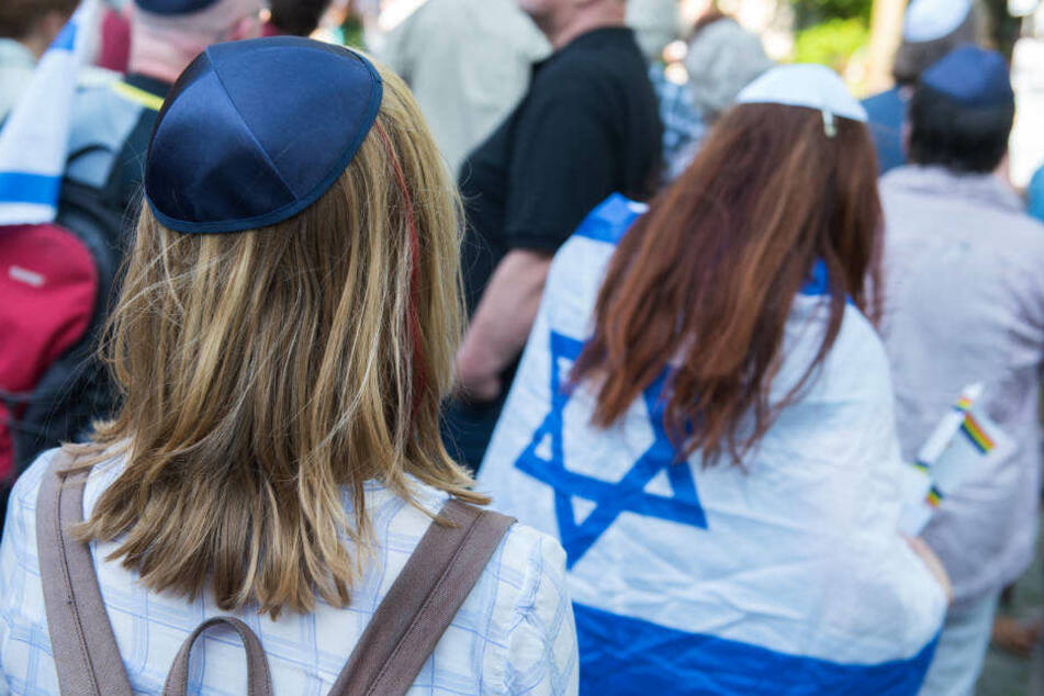 Bereits im Mai hatte es deutschlandweit Kippa-Tage als Zeichen gegen Antisemitismus und für mehr gegenseitigen Respekt gegeben.