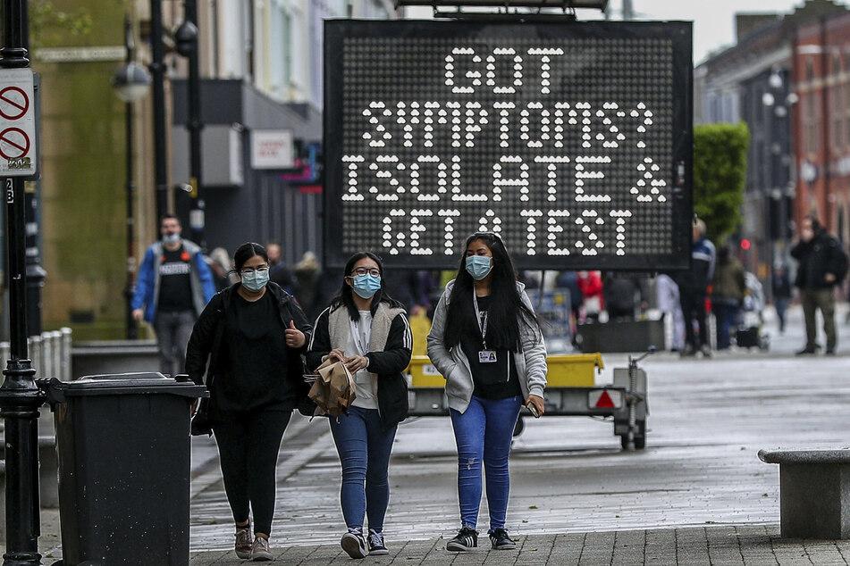 Großbritannien hat die Corona-Pandemie anscheinend gut im Griff, wegen der Ausbreitung der Delta-Variante des Virus gibt es aber neue Sorgen.