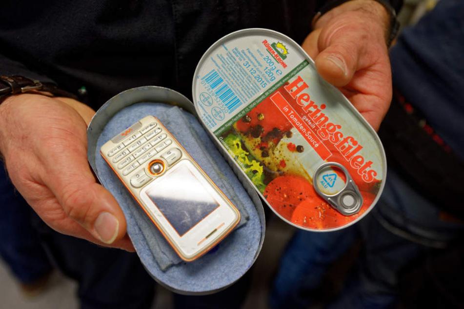 Von Handys bis Drogen: Der Knast wird zum Schmuggelparadies