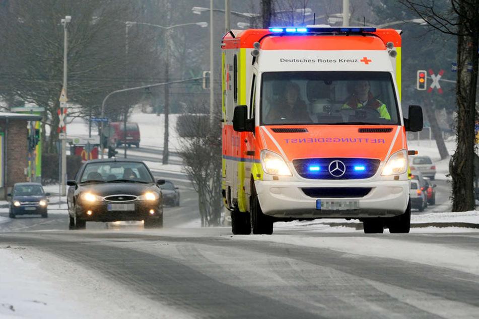 Der Mann wurde bei dem Unfall leicht verletzt. (Symbolbild)