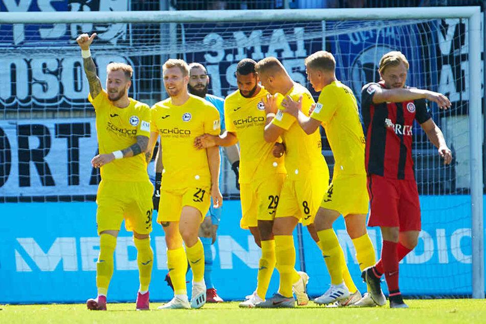 Arminia Bielefeld ist die Torfabrik der 2. Bundesliga: Keine Mannschaft hat nach sieben Spielen öfter getroffen (19 Mal).
