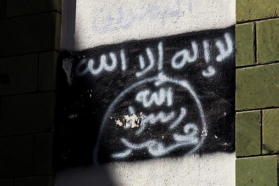 Die Flagge des Terrornetzwerkes Al Kaida - einem US-Medienbericht zufolge soll dessen zweithöchster Führer getötet worden sein.