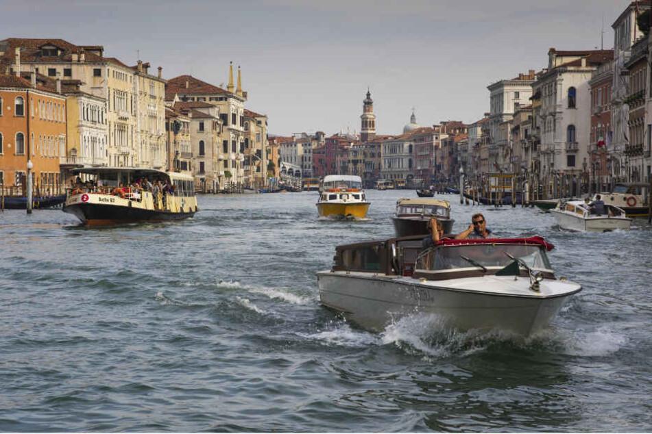 Wasserbusse (Vaporetto) wie in Venedig sind auch in Dresden denkbar.