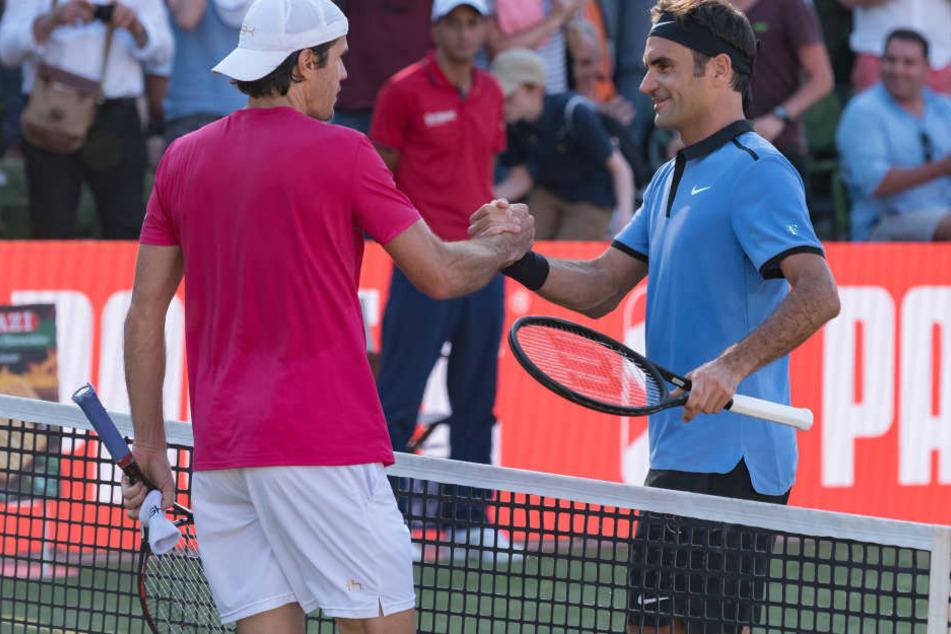 In Stuttgart musste sich Roger Federer (rechts) noch seinem Konkurrenten Tommy Haas geschlagen geben.