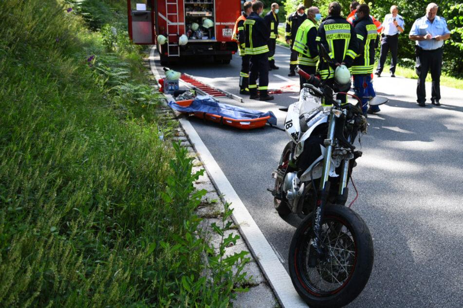 Junger Biker (†16) stürzt und stirbt noch an der Unfallstelle