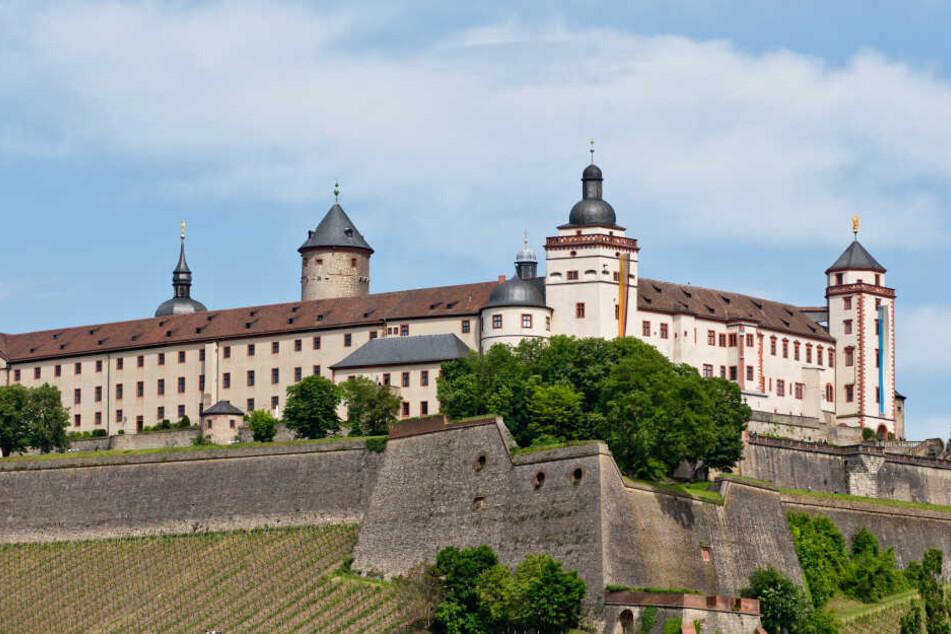 Der Mann stürzte von der Mauer der Festung Marienburg in Würzburg.