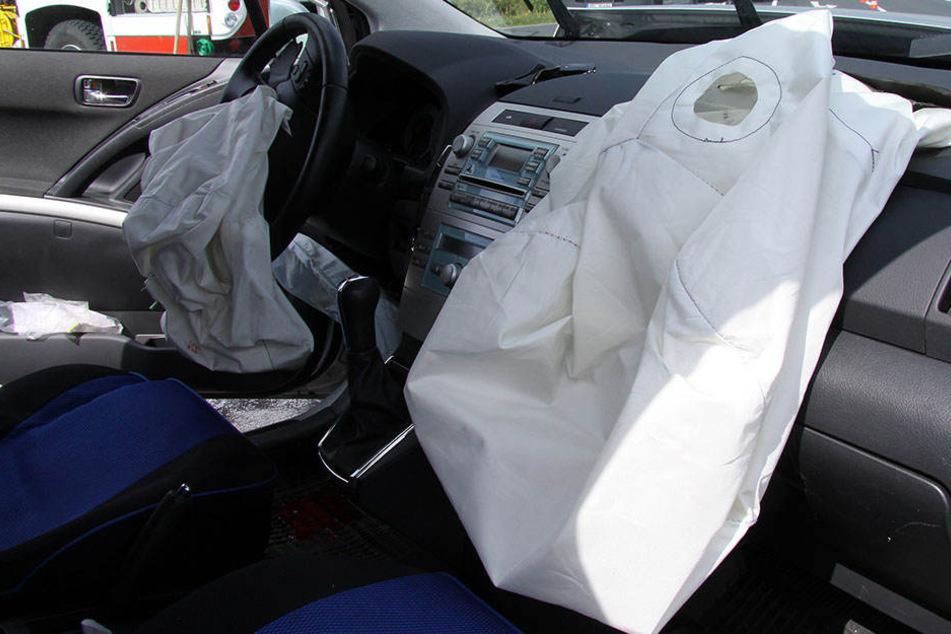 Bei einigen Toyota-Modellen aus den Baujahren 2006 bis 2014 sind möglicherweise die Airbags defekt.