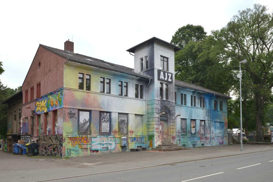 Das Alternative Jugendzentrum an der Chemnitztalstraße.