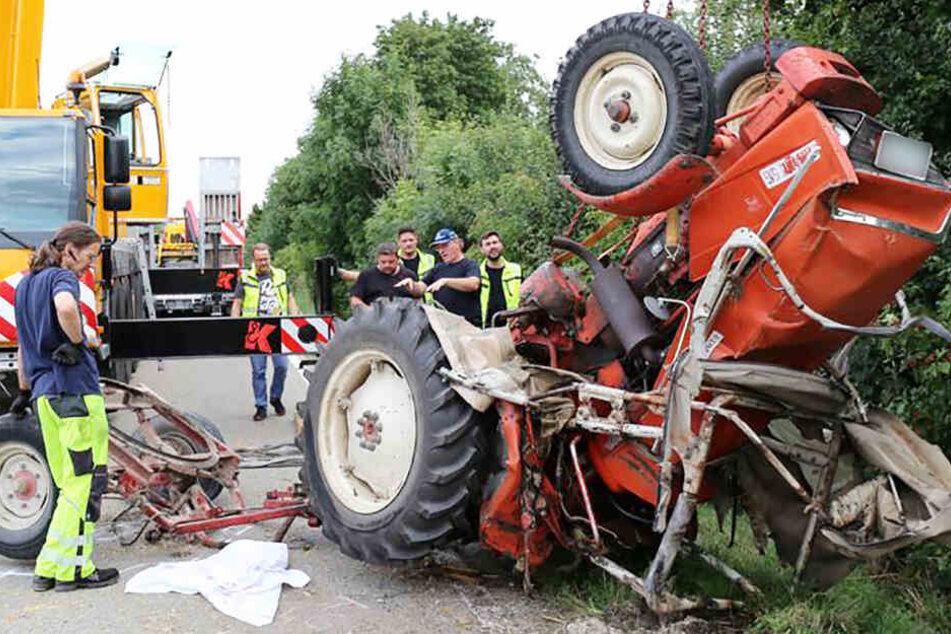 Auf der Staatsstraße 2037 ist es zu einem tödlichen Unfall gekommen.